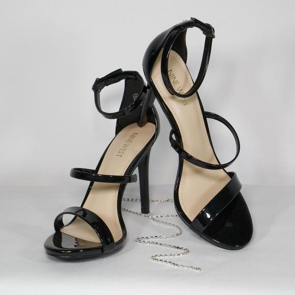 7e692fd88215 NWOT Sexy Nine West Lioro Black Strappy Heels. M 5ae11e8636b9deafe91b6012